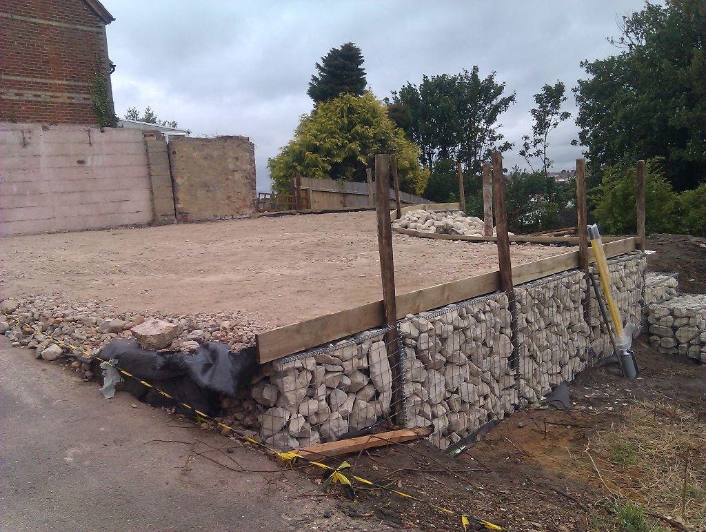 gabion basket retaining wall in parkstone dorset msc landscapes. Black Bedroom Furniture Sets. Home Design Ideas